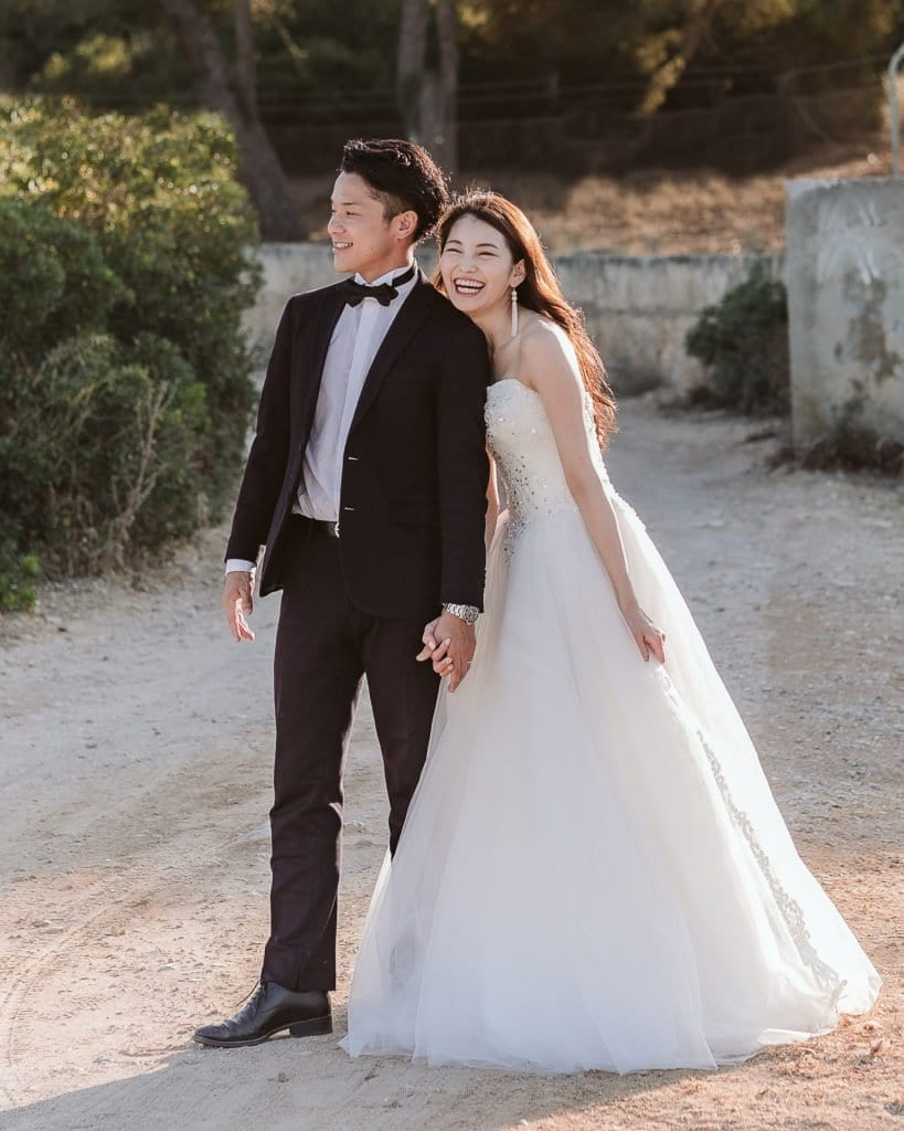 Newlyweds from Japan enjoy a photo session in Mallorca